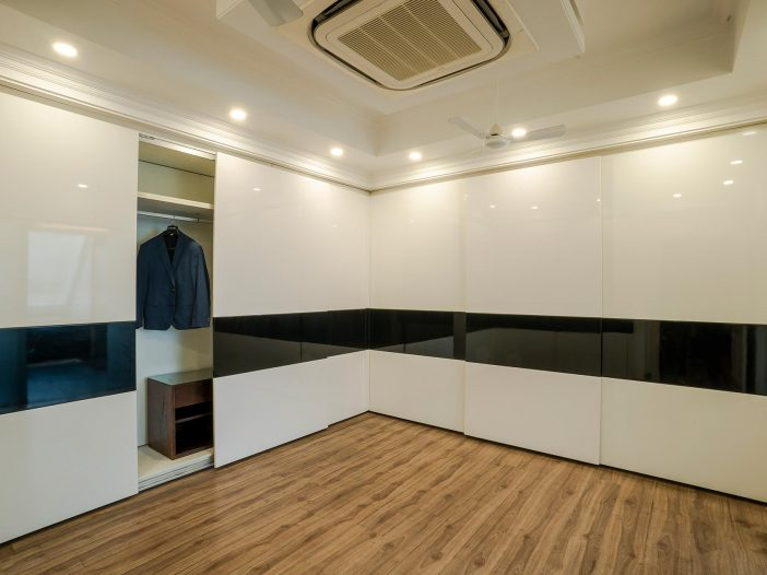 Closet section of the double occupancy room at the Safe House Wellness Retreat India
